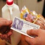 Dominicanos NYC preocupados por fin cupones alimentos debido cierre gobierno Federal