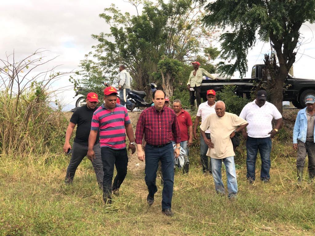 Ricardo Espaillat se solidariza con productores de habichuelas de San Juan de la Maguana