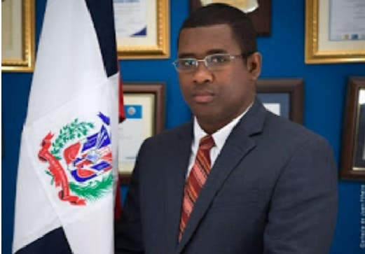 Suspenden al procurador fiscal de Barahona; es investigado por presuntas irregularidades