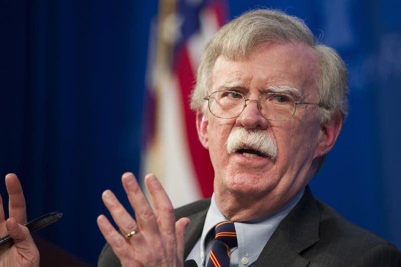 """Asesor de Donald Trump: EEUU saldrá de Siria tras """"condiciones"""""""