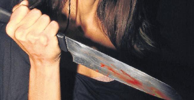 Video: ¡Increible! Mujer mata su esposo de varias puñaladas por no cumplir tareas del hogar