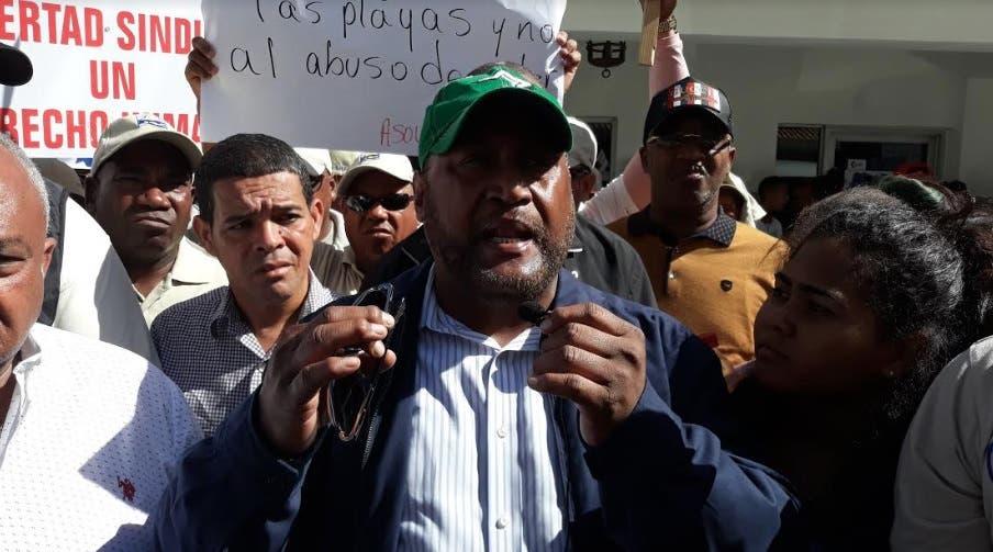 Sindicatos denuncian irregularidades de oficiales de Cestur en Bavaro-Punta Cana
