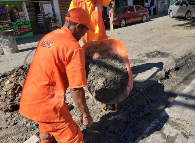 Obras Públicas interviene diferentes calles Distrito Nacional