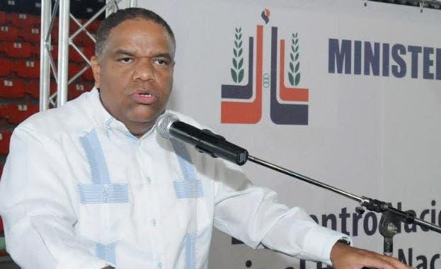 Resultado de imagen para Danilo Díaz, ministro de Deportes.