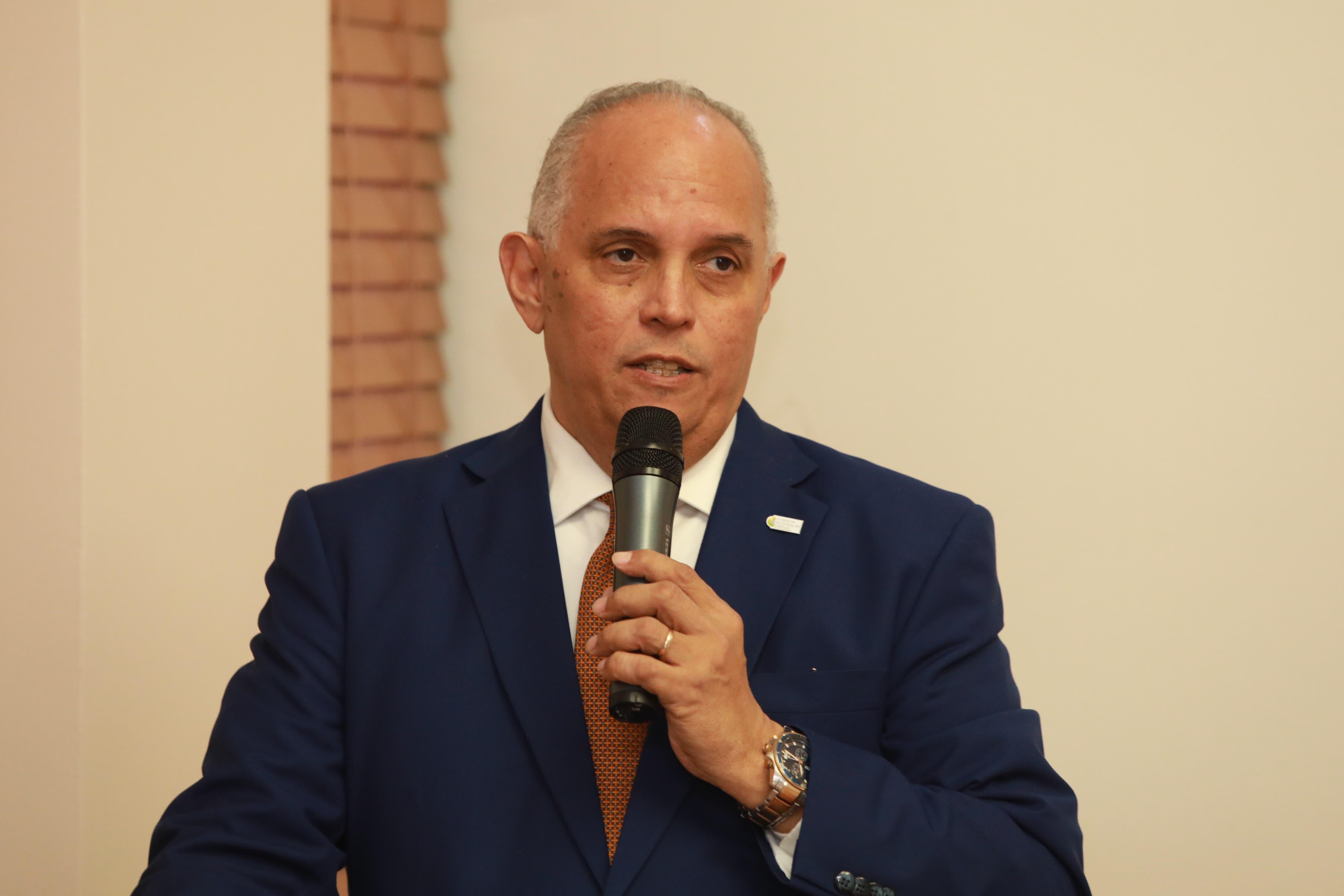 Ángel Canó cita impacto manejo desechos en vertedero de Duquesa