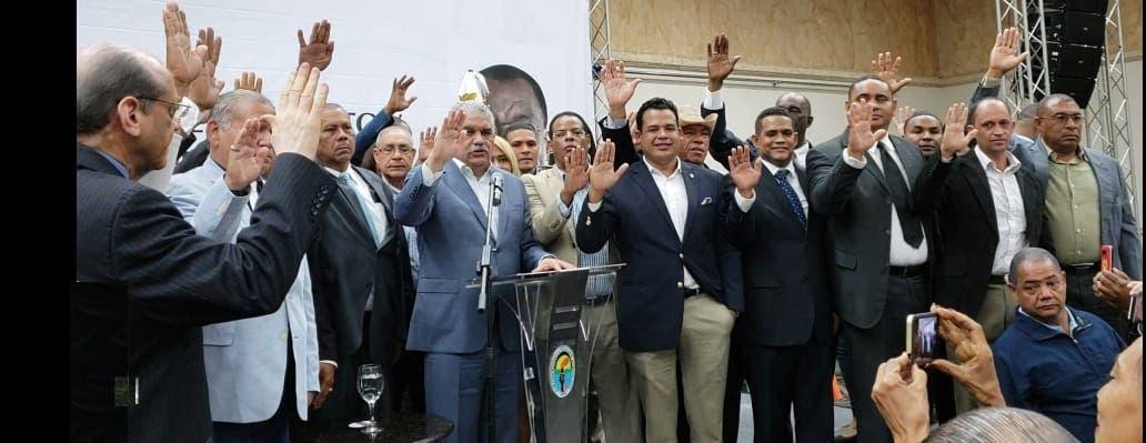Tres alcaldes y un diputado ingresan al PRD junto a reconocidos líderes sociales y políticos