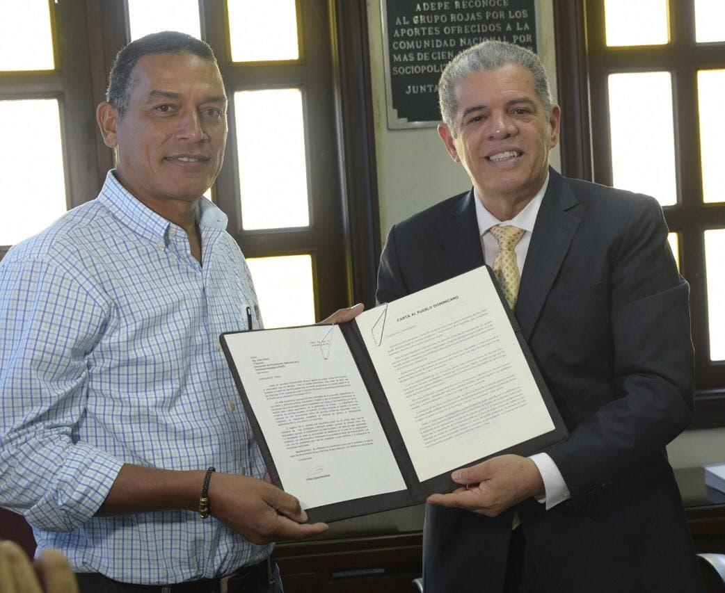 Amarante presenta sus planes de desarrollo a la cúpula empresarial de provincia Espaillat
