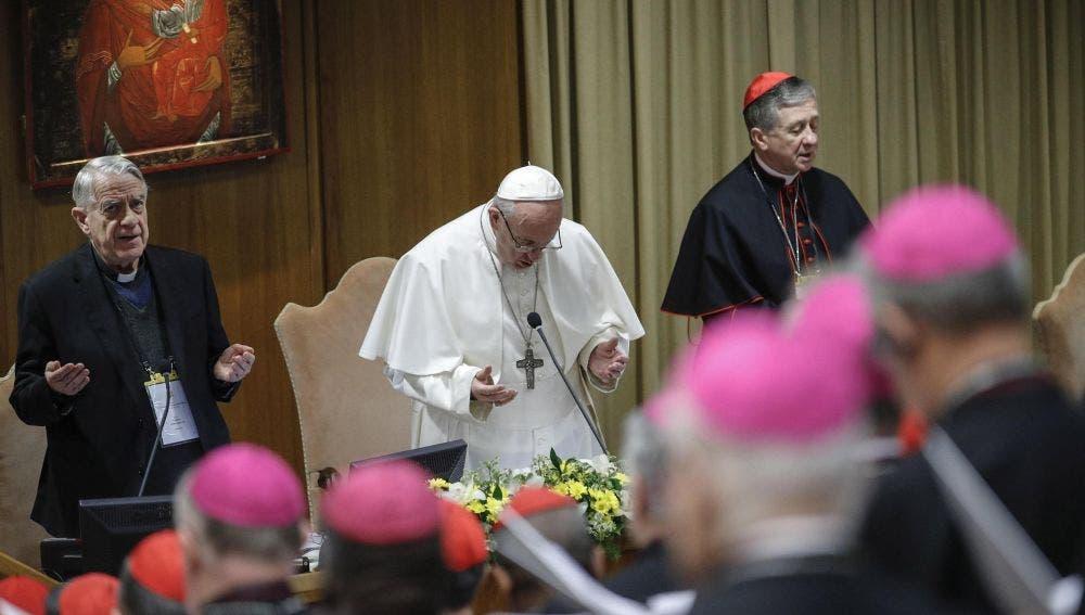 «Tenía 11 años y un sacerdote destruyó mi vida», denunció víctima en Vaticano