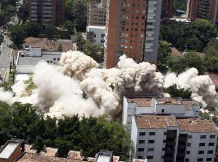 En tres segundos fue reducido a escombros el edificio Mónaco de Pablo Escobar
