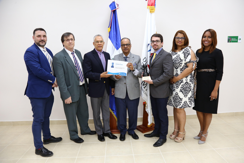 Despacho Primera Dama recibe reconocimiento de la fundación española Rey Ardid por iniciativa RESIDE
