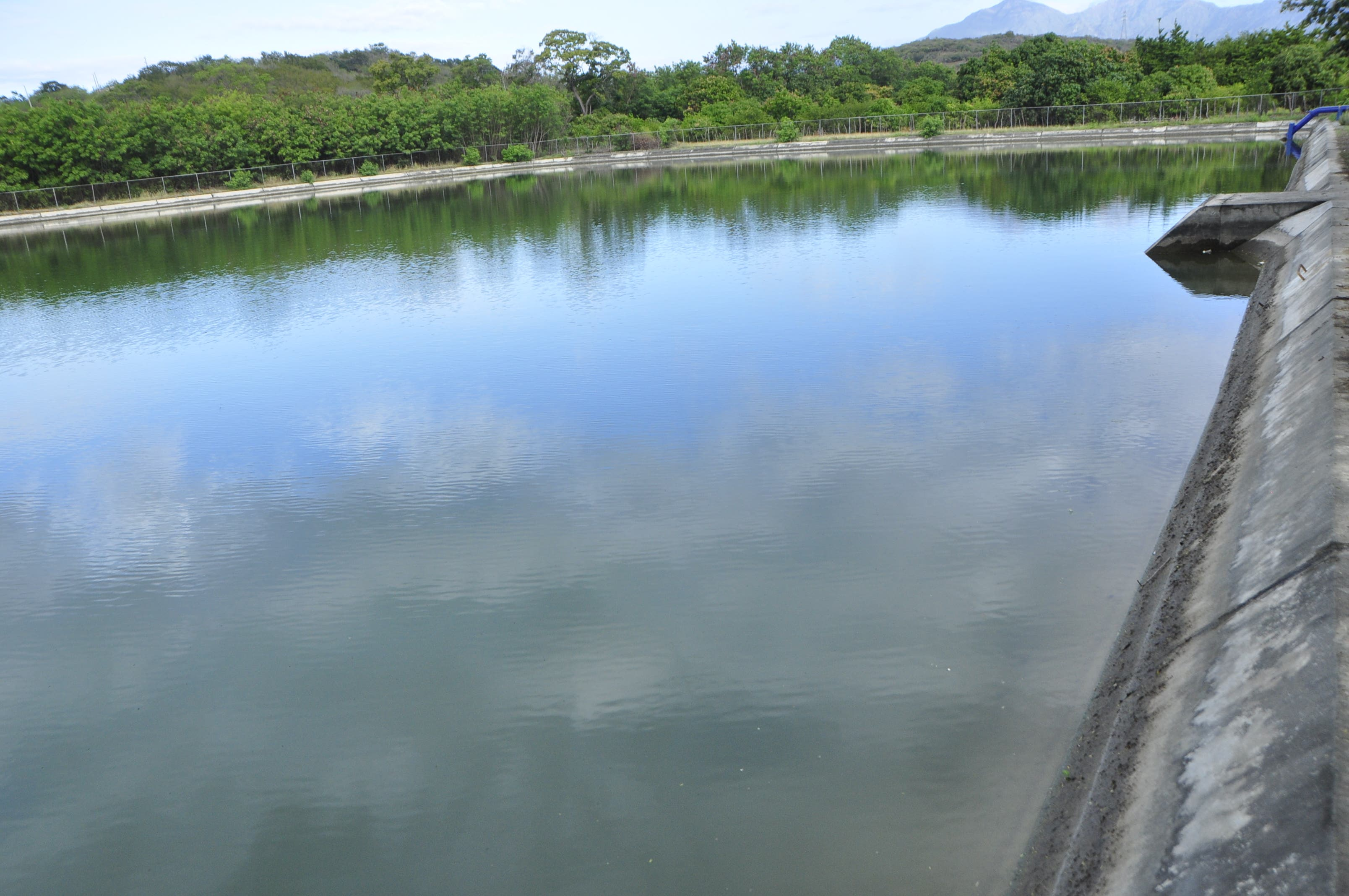 INDRHI entrega sistema de bombeo y canales rehabilitados en Peravia