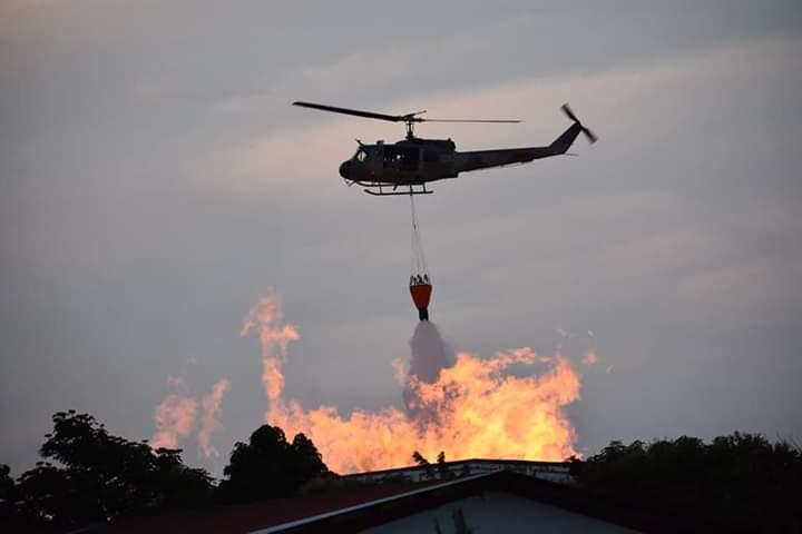 Continúa el fuego en las bodegas Brugal en Puerto Plata