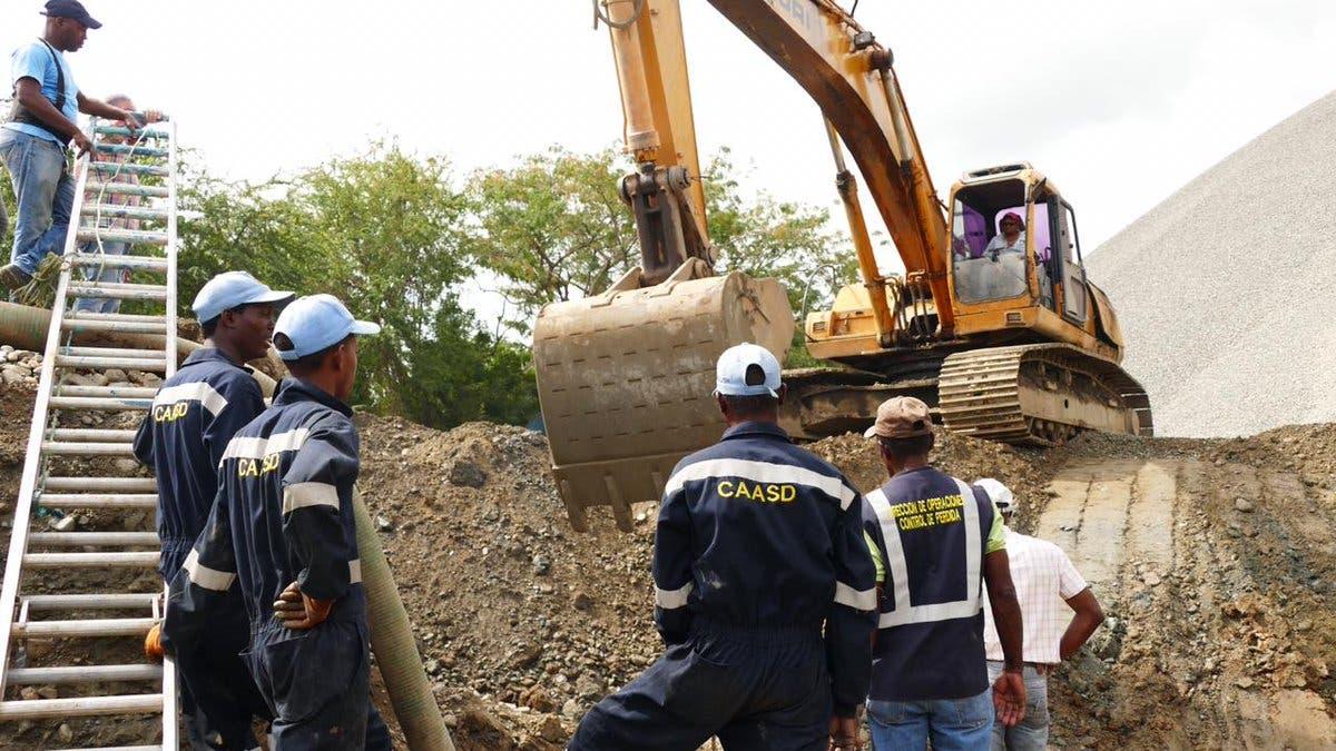CAASD trabaja en reanudación del servicio de agua potable  por avería de tubería