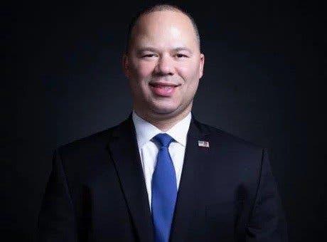 Elvin Hernández,
