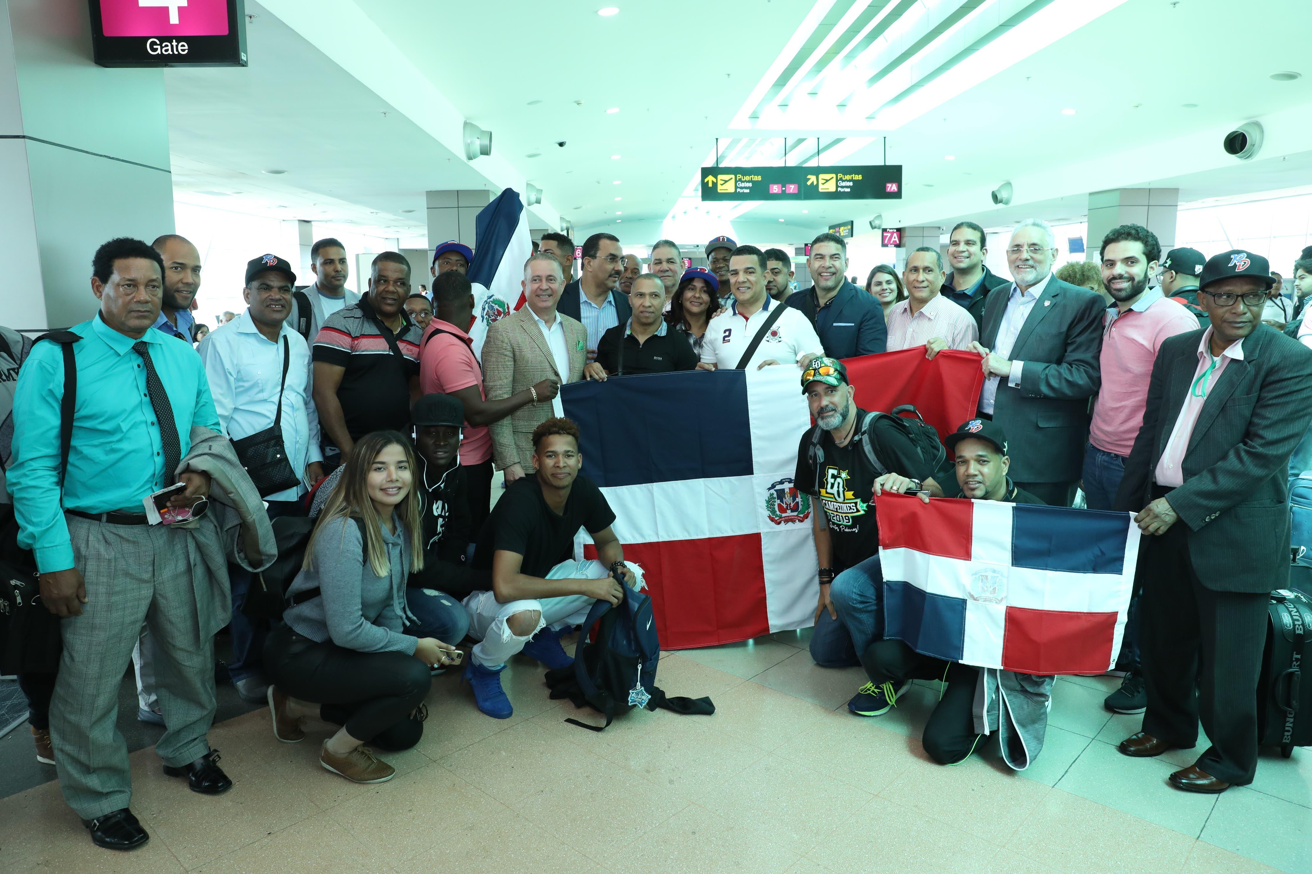Embajador dominicano en Panamá recibe a las Estrellas Orientales