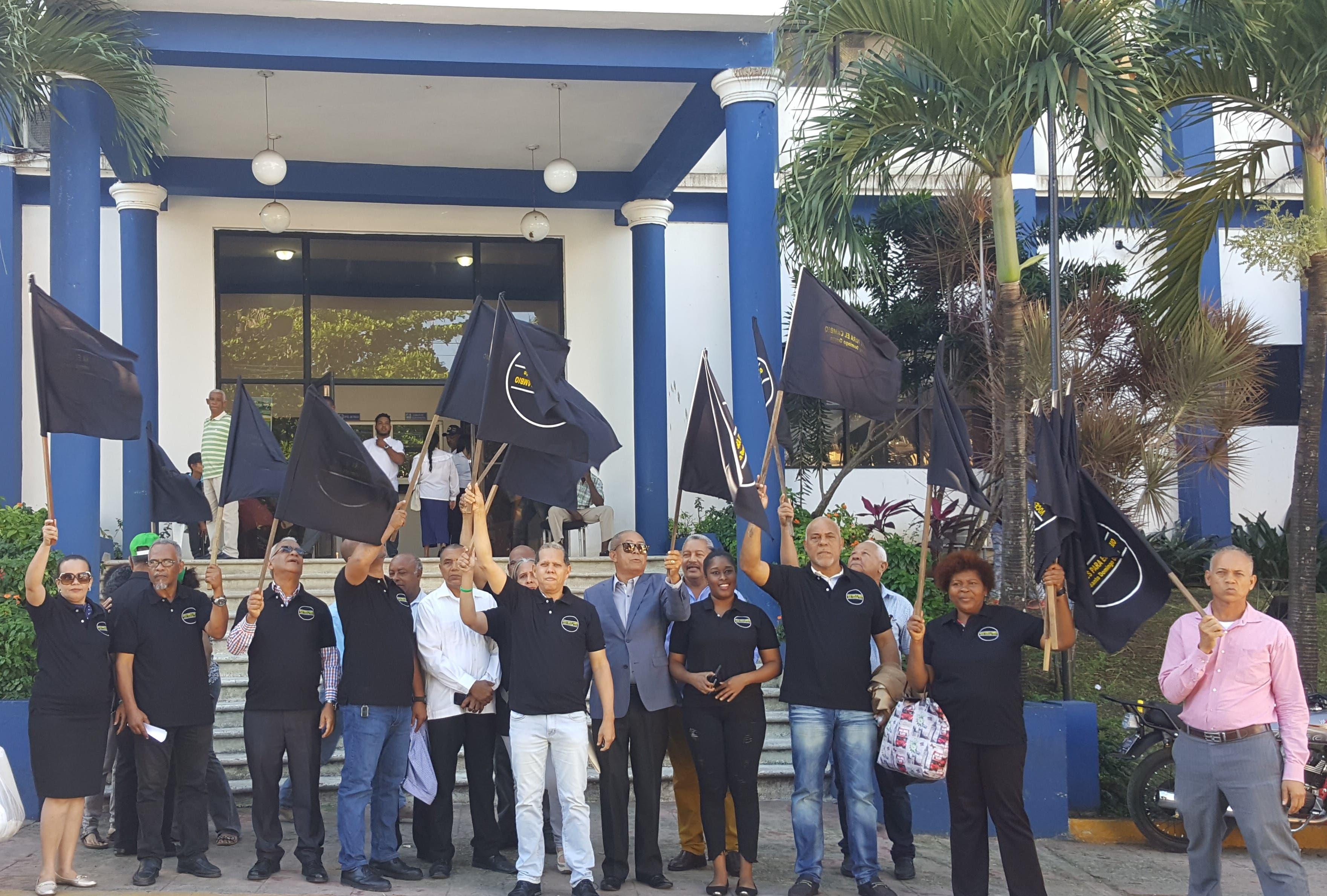 Demandan al alcalde Francisco Peña a rendir cuentas sobre manejo de recursos