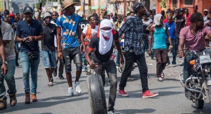 Protestas en contra del presidente de Haití no se detienen; suman cinco los muertos