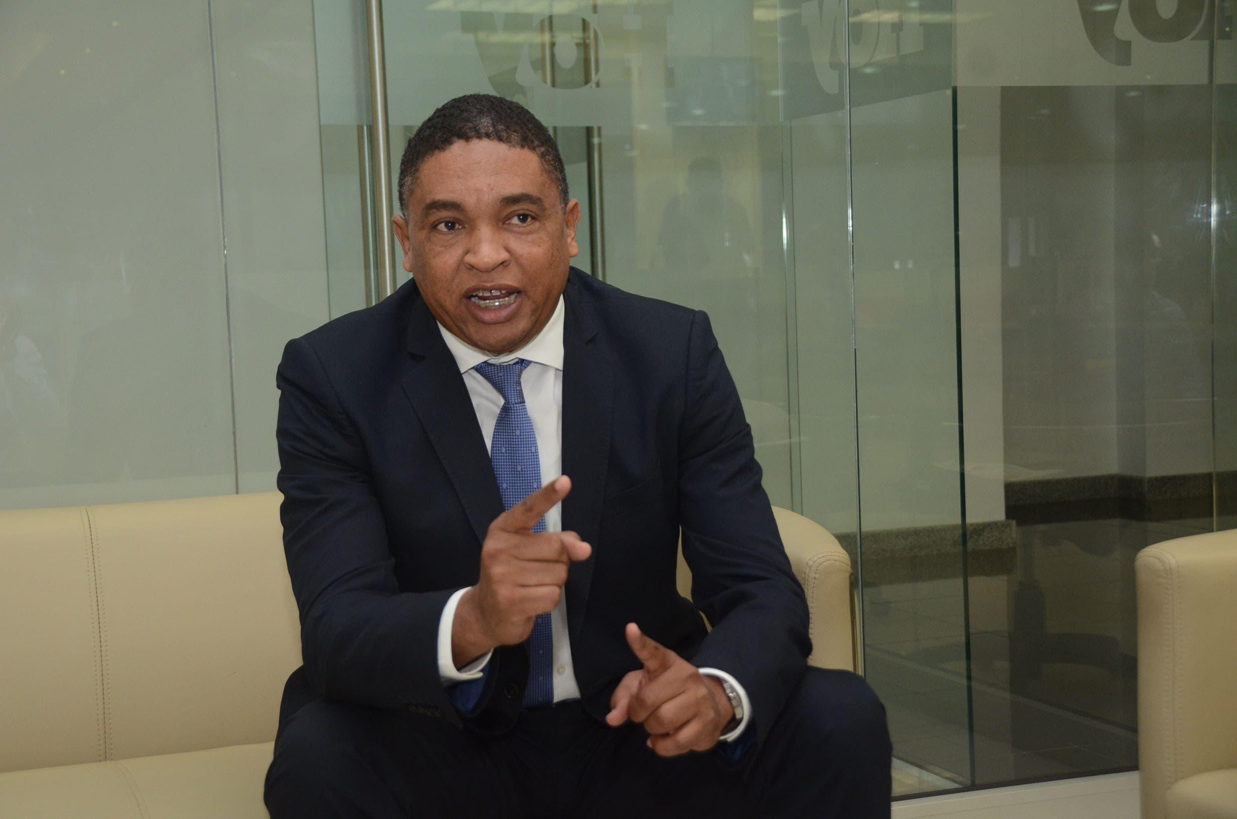 Senador Iván Lorenzo insiste Senado cite a Milagros Germán