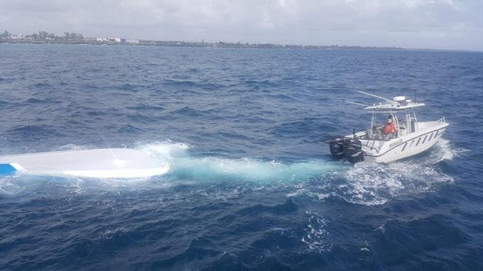 Lancha rescatada en mar Caribe introdujo 707 kilos de cocaína