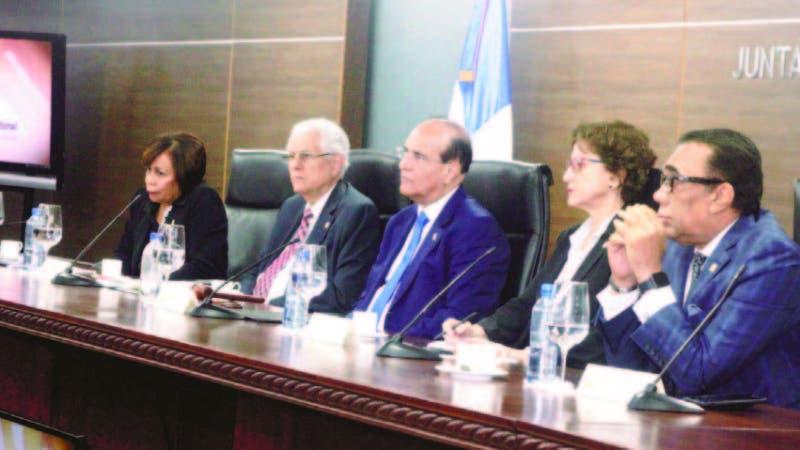 Miembros del Pleno de la Junta Central Electoral, convocan a partidos para el próximo lunes.