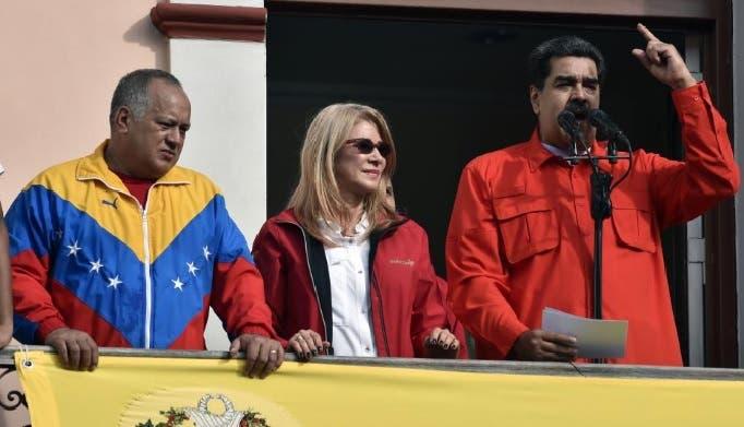 """Aumenta tensión en Venezuela: Maduro rompe """"todo tipo de relaciones"""" con Colombia"""