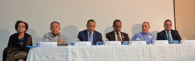 Wilfredo Lozano, César Pérez y Juan Bolívar Díaz condenan desvíos de gobiernos izquierdistas