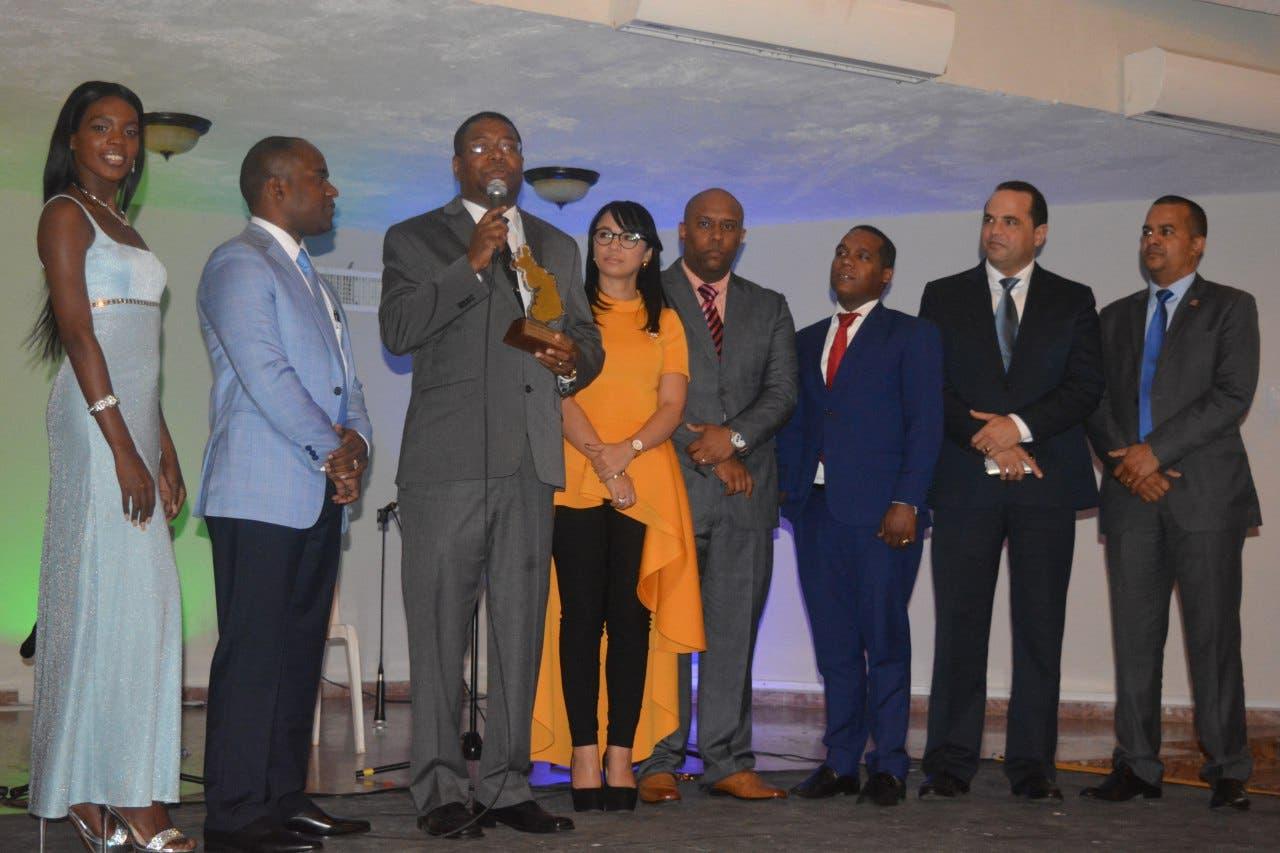 Premios Santo Domingo Oeste concluye segunda versión