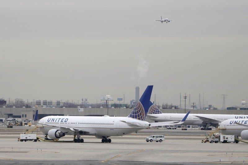 United Airlines modificará más de 100 de sus aviones para agregarles asientos especiales