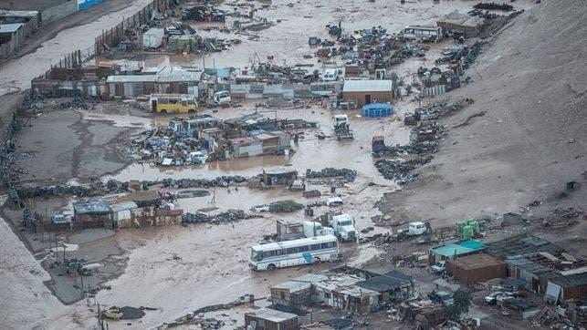Más de 300 afectados y 1.800 viviendas dañadas por temporal en norte de Chile