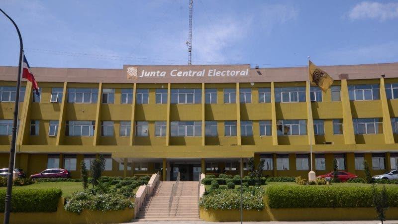 una reunión de los Partido Político en Junta central electoral Santo Domingo Rep. Dom. 19 de marzo del 2019. Foto Pedro Sosa