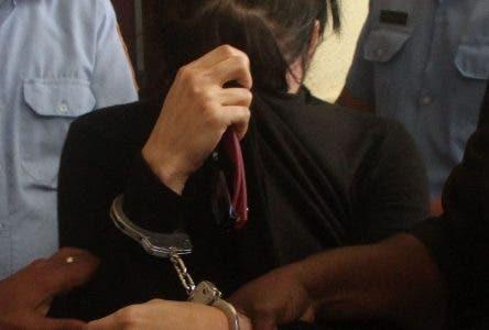 Entrevista a uno de los abogados defensores de la esposa de no de los implicados en caso de la banda Boricua en foto : Yenelis acusada HOY Duany Nuñez 14-3-2019