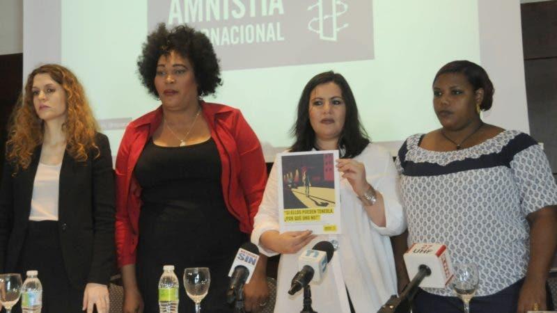 Amnistía Internacional realiza una rueda de prensa por el uso habitual de la violación y otras formas de tortura por parte de la policía para castigar a las trabajadoras sexuales. Hoy/ Aracelis Mena.  /28/03/19.