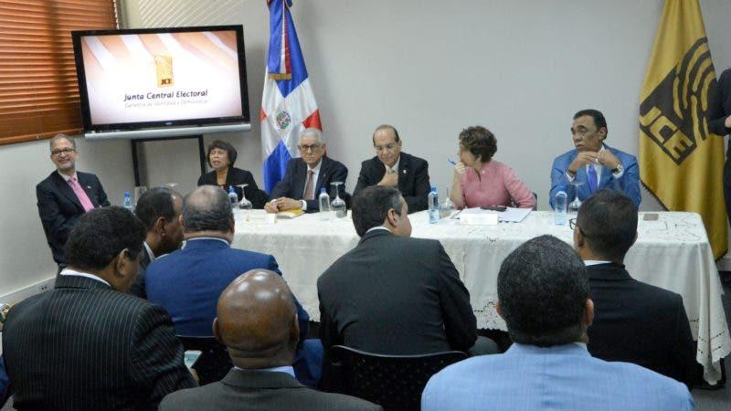 Durante una reunión de los Partido Político en Junta central electoral Santo Domingo Rep. Dom. 19 de marzo del 2019. Foto Pedro Sosa