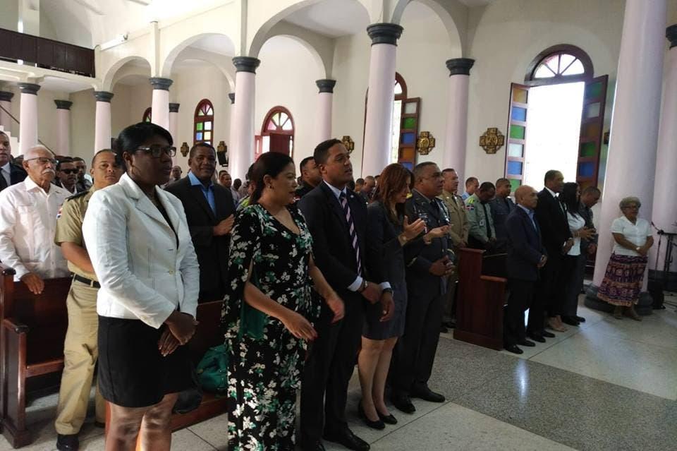 Realizan acto en conmemoración del 83 aniversario de la Policía en La Romana
