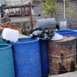 Las CAASD ,sigue suministrando agua a sectores afectados por sequia;  C/ Lealtad en Redención Pantoja, D/ Justicia ,Pantoja, C/10 Manzana 12 Res. Las Mercedes. Hoy/ Arlenis Castillo/20/03/19.