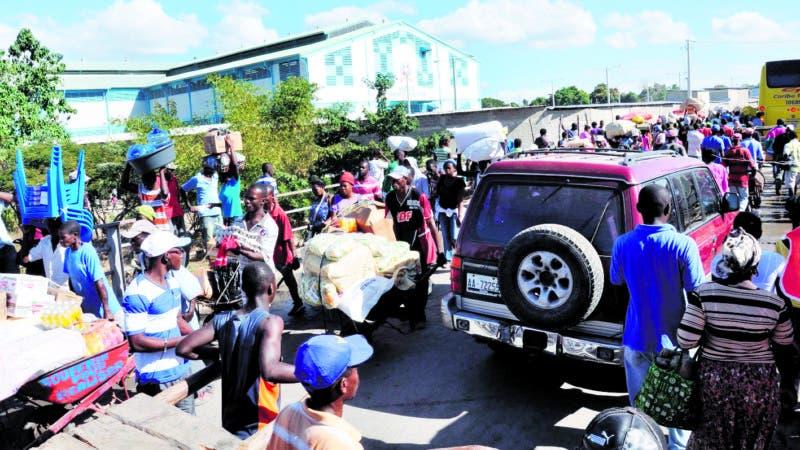 El Mercado binacional en Dajabón, se realizo con más entusiasmo entre haitianos y dominicanos después del inicio de las negociaciones entre las autoridades de ambos países por la sentencia del tribunal. Hoy Wilson Aracena 10/01/14