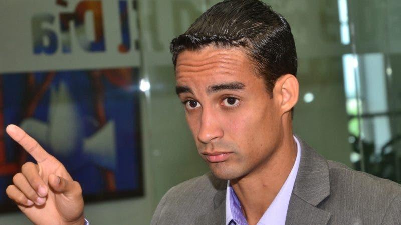 Luguelin Santos invitado al coloquio semanal del periodcio El Dia. foto: Elieser Tapia.