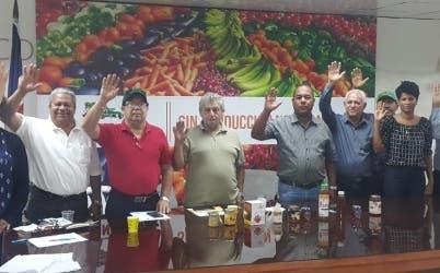 Productores de miel de abeja, reunidos en Confenagro.