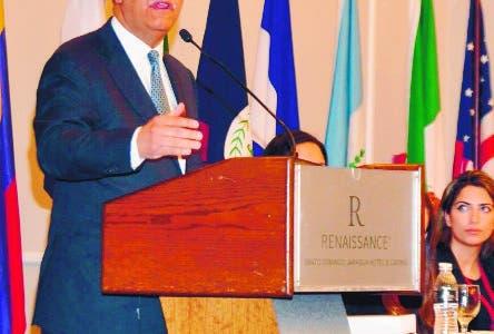 XXV aniversario de HACIA of the Americas. En la foto: Dr.Leonel Antonio Fdez. Reyna y representantes de HACIA. Fecha: 17-3-19 Lugar: Hotel Jaragua. Fotoperiodista: José Andrés De los Santos. Redactor: Emilio Guzmán.