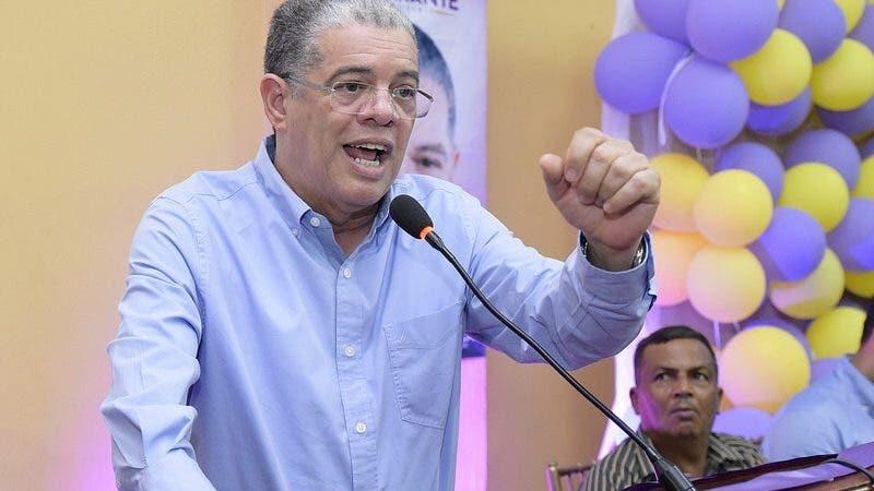 Carlos Amarante Baret, precandidato del PLD.