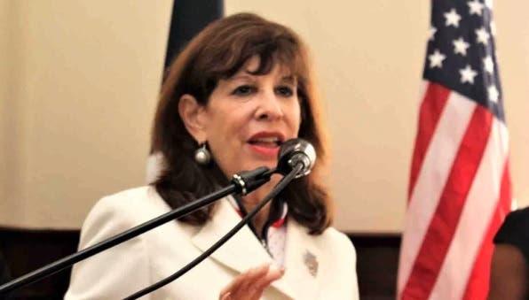 Embajadora EEUU en RD dice sigue de cerca caso Odebrecht y espera corruptos reciban peso de la ley