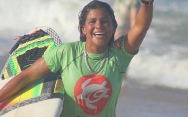 Luzimara Souza, la surfista brasileña que murió  al caerle un rayo mientras practicaba