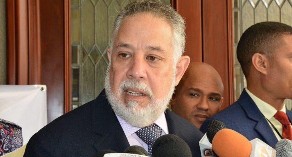 Revuelo por declaraciones de Campos de Moya sobre apoyo a reelección de Danilo Medina
