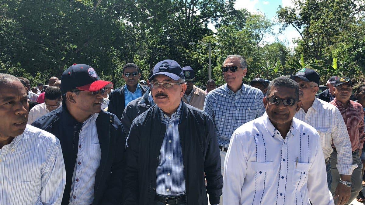 Video: Danilo Medina asegura que la gente está pendiente cómo se invierte lo que paga en impuestos