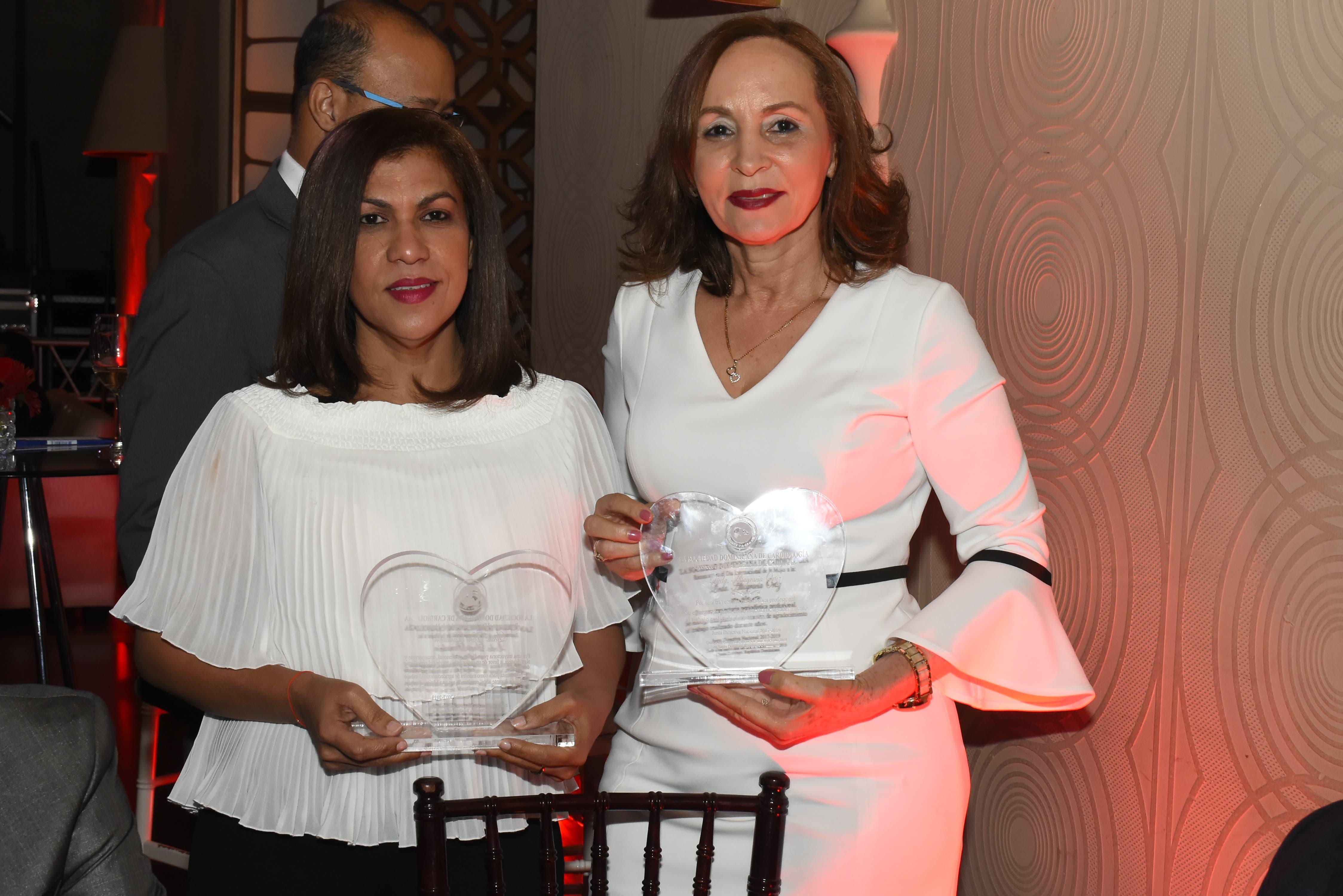 Reconocen periodistas del HOY por Día Internacional de la Mujer