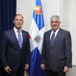 El presidente de la  Red GEALC, Ing. Armando García durante el encuentro con el canciller de la República Dominicana,Ing. Miguel Vargas