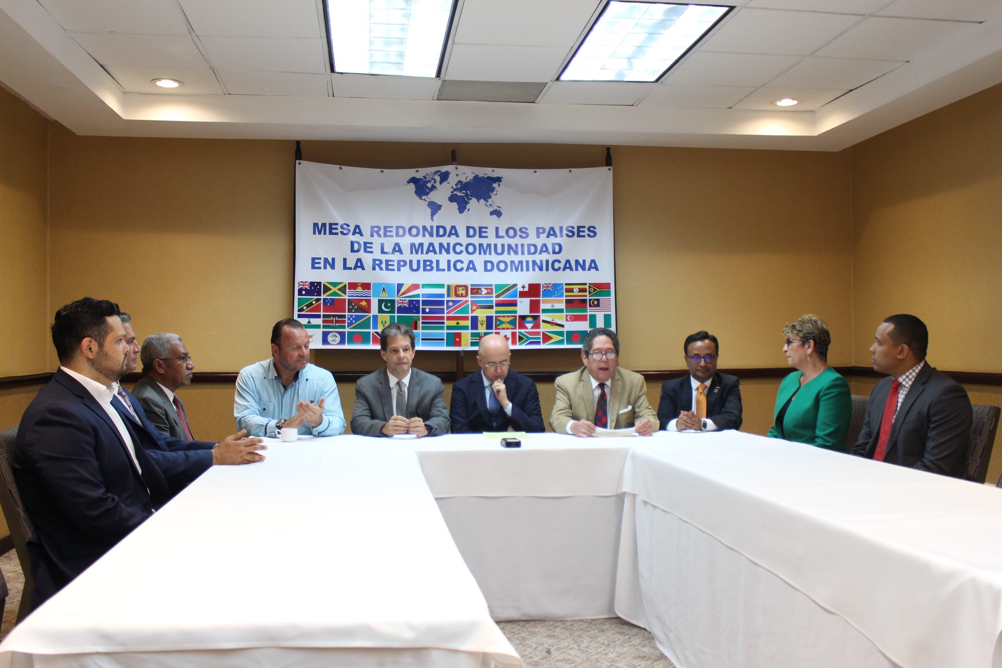 González Nicolás sugiere a candidatos prioridades que garanticen el desarrollo económico