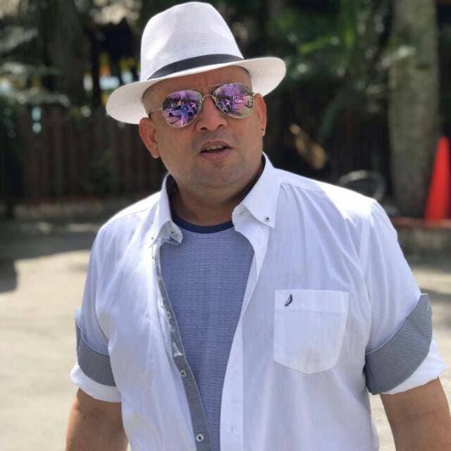 """Sam Castro y su banda presentan la versión merengue de la exitosa canción """"Calma"""""""