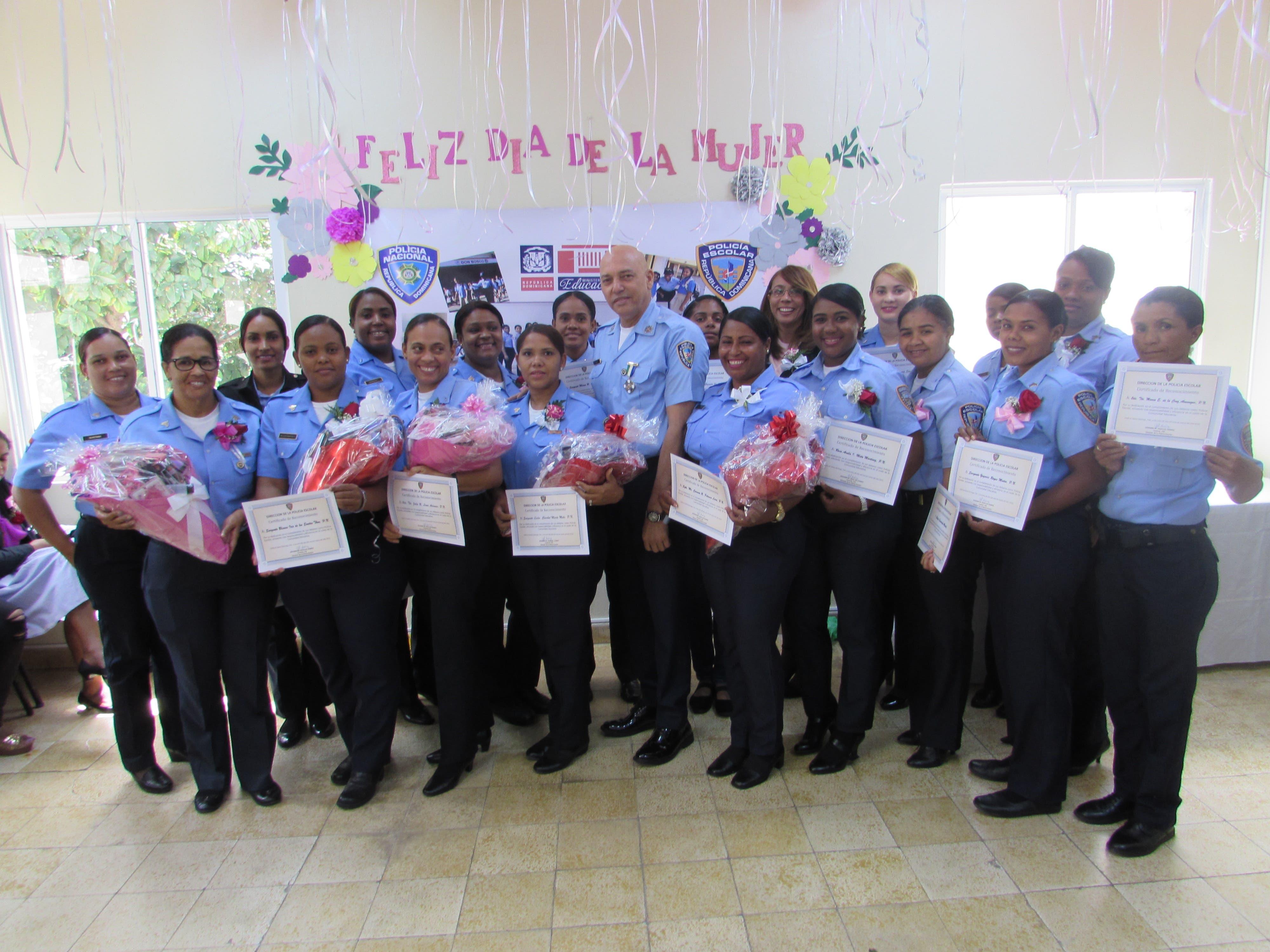 Policía Escolar celebró por todo lo alto Día Internacional de la Mujer