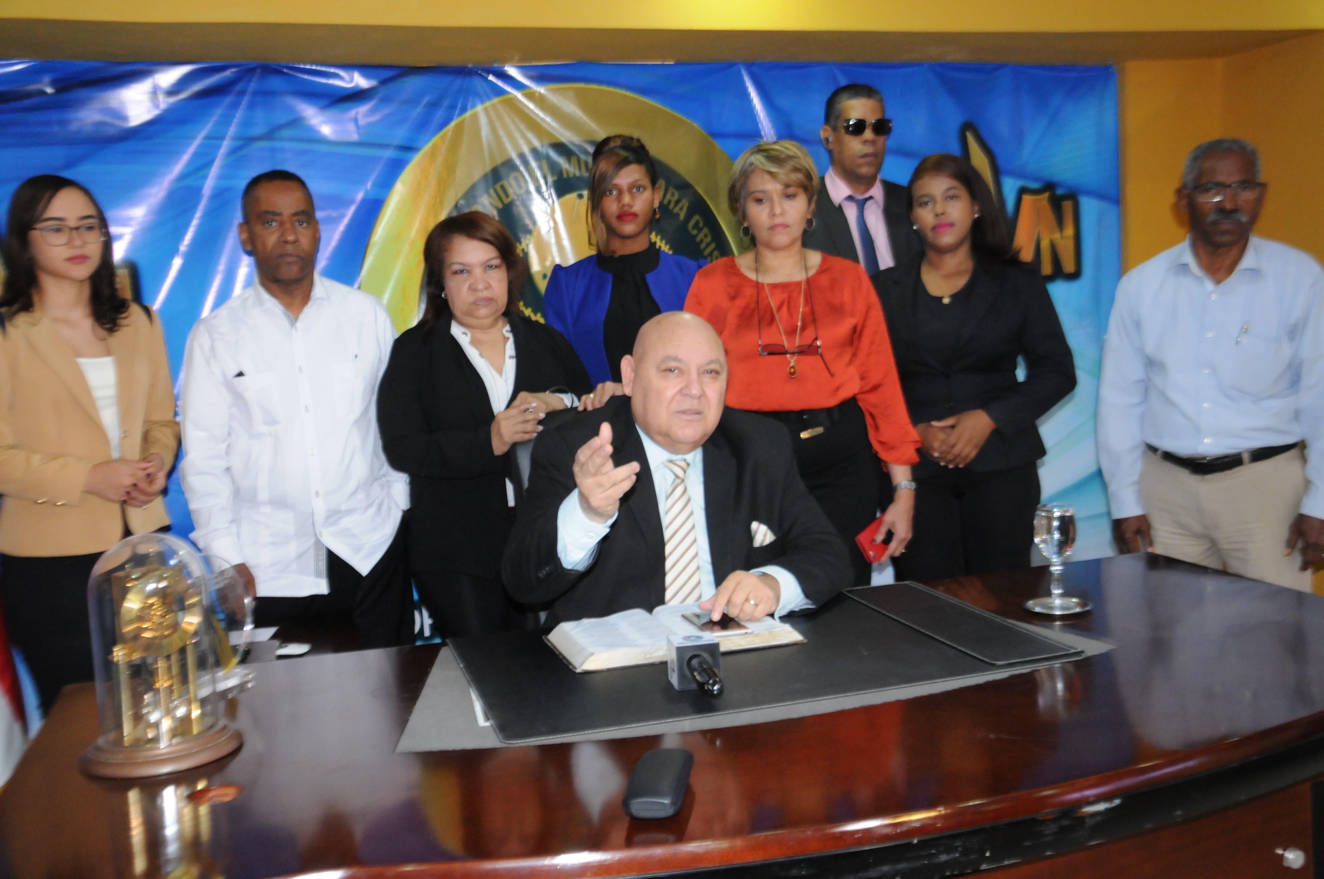 Califica de exabrupto declaraciones de obispo en apoyo a reelección de Danilo Medina
